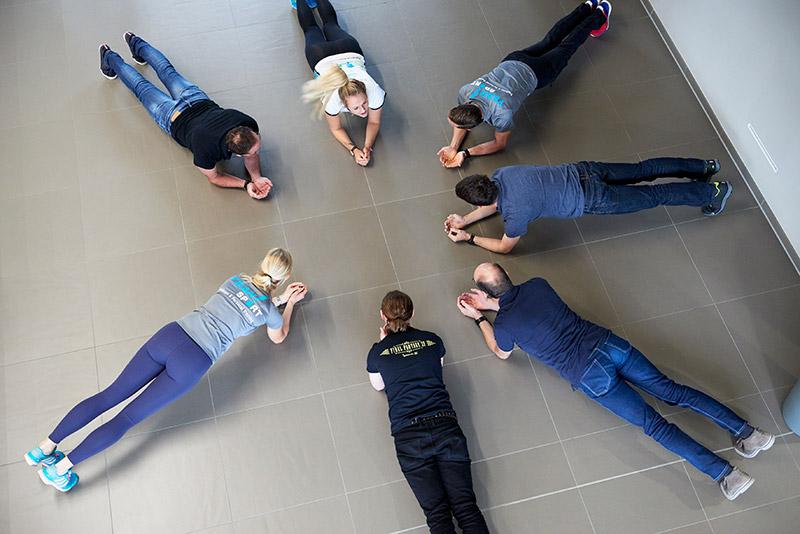 YEAH!Sport Firmenfitness durch das Programm Rücken und Arbeitsplatz