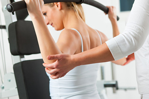 Rückentraining mit dem Personal Trainer lindert Beschwerden